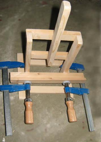 mini chevalet de peintre d 39 exposition comment le faire soi m me avec du tasseau bois. Black Bedroom Furniture Sets. Home Design Ideas